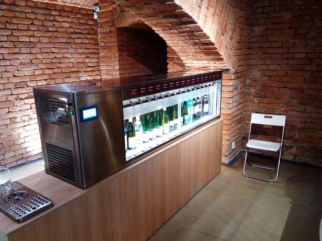 Double sided 32 bottle dispenser1